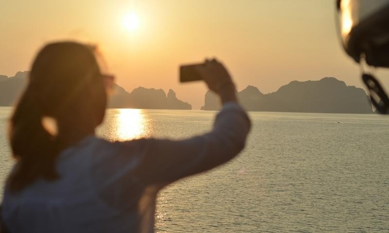 1 day trip from Hanoi to Halong Bay for Sunmin Lee this Saturday