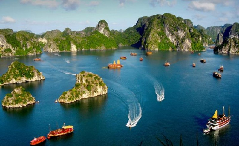 To explore Halong Bay from Quezon